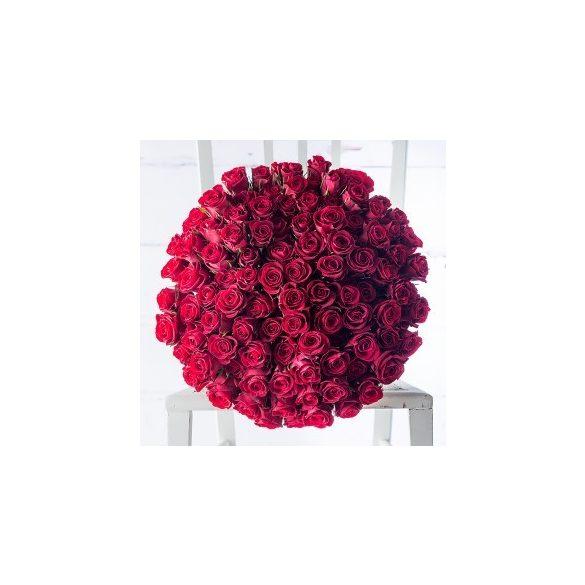 Rózsa csokor 99 szál vörös rózsából